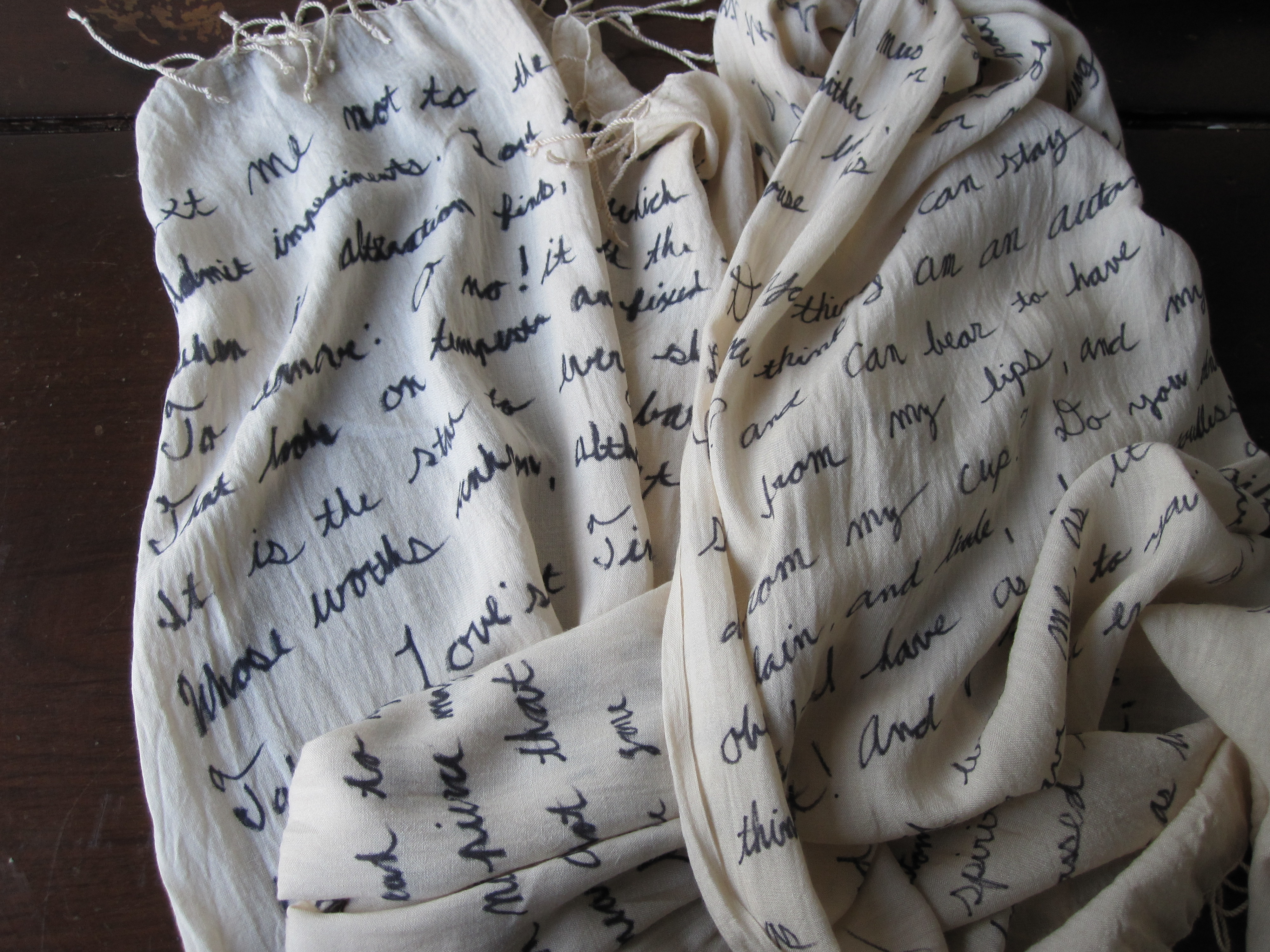 The DIY quote scarf you'll want to make this afternoon