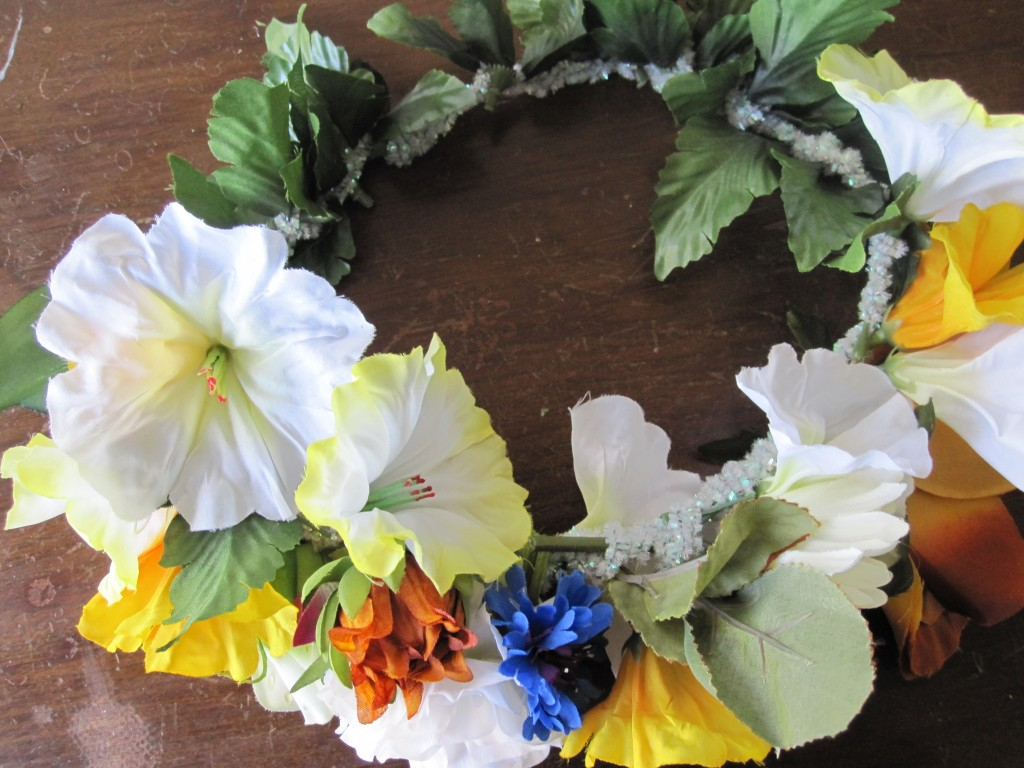 Get ready for festival season with this beautiful and easy DIY flower crown!