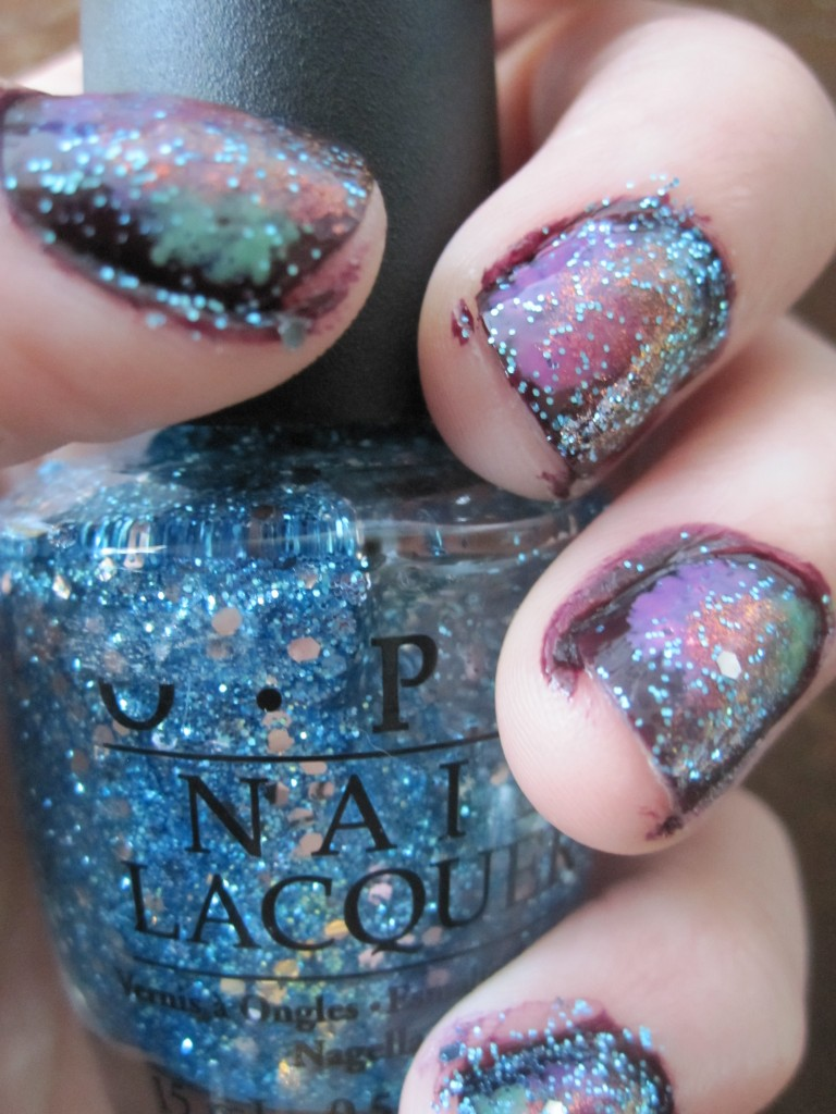 Love nail art? Try this super easy tutorial for galaxy nails!