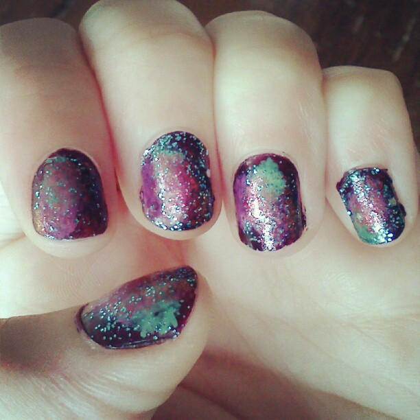 Looking for an awesome project to DIY this weekend? Give this Galaxy Nails DIY a try!