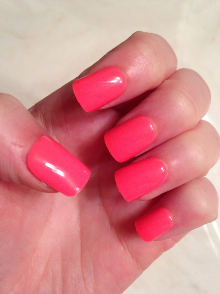 Manicures are easy when you use imPRESS press-on manicure. I gave these hot pink imPress nails a test drive!