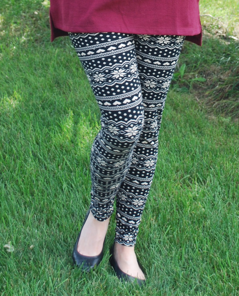 This monthly subscription box will send you awesome printed leggings for fall!