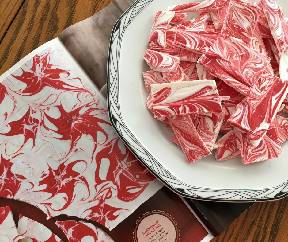This month I decided to make the Sweetheart Marble Bark from the February 2018 issue of O Magazine. Calling for only two ingredients, this white chocolate bark seemed like the perfect recipe to try during a busy week.